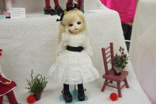P1060020_dollshow33_edited-1.jpg