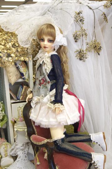 P1060074_dollshow33_edited-1.jpg