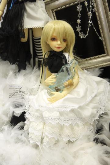 P1060152_dollshow33_edited-1.jpg