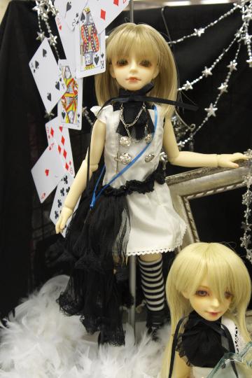 P1060153_dollshow33_edited-1.jpg
