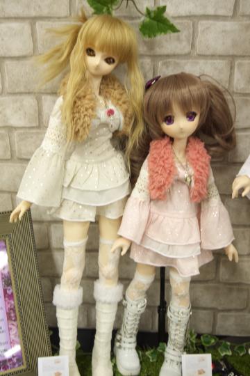 P1060225_dollshow33_edited-1.jpg
